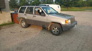 1996 Jeep Grand Cherokee Laredo SUV, Crossover