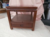 Side / Lamp tables - Oriental style in mahogany with drawer