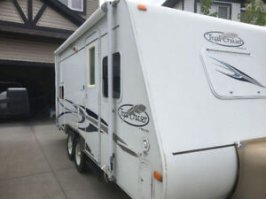 19ft Couples Trailer, Sleep4,tows very well, has trailer brakes
