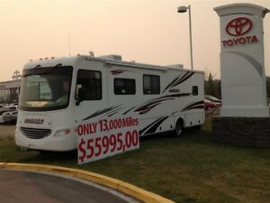 2007 Ford F-450 Motorhome, FULLY LOADED with ONLY 13,000miles