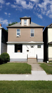 *****BEAUTIFUL Home For RENT In West End*****