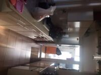 Large double room in beautiful house in East Croydon. Inclusive £500 pcm . CR0 6EA .