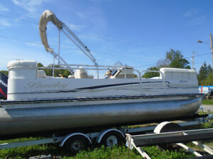2005 BENTLEY PONTOON BOAT FOR SALE