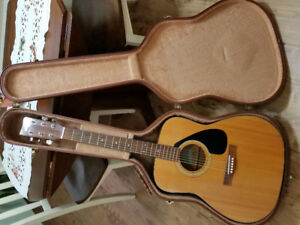 Yamaha Acoustic/electric guitar