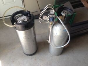 CO 2 (Food Gradable) Tank and stainless steel Keg