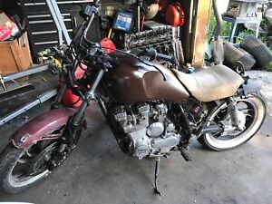 Yamaha Bobber Project Lots of extras