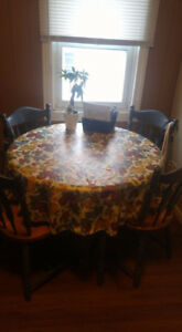 Selling Table + Chairs