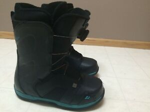 Snowboard boots - Mens size 9