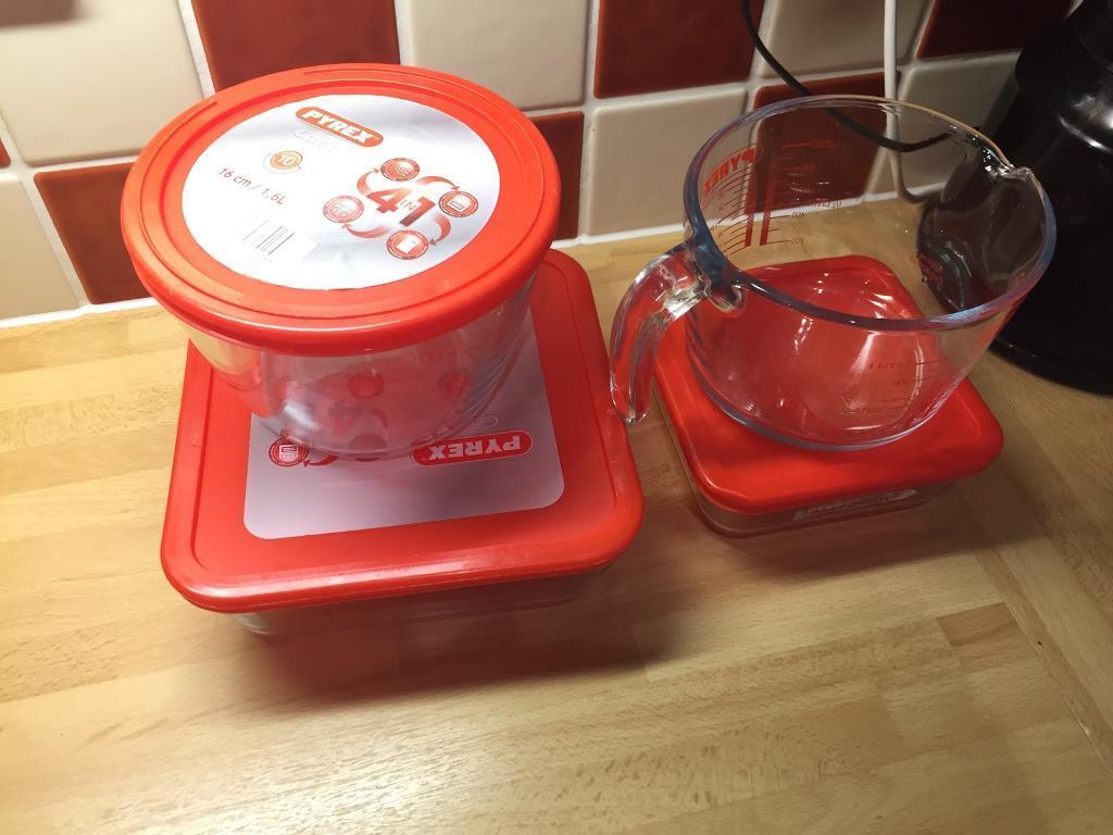 Open to offersPyrex itemsin Bromley, LondonGumtree - 1 litre measuring jug1.6 litre tub2 litre dish 20cm x 20cm750 ml dish 15cm x 15cm