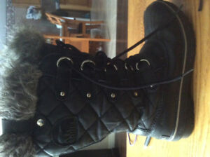 Ladies Sorel waterproof winter boots
