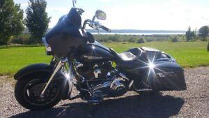 Harley Davidson FLHX 2008, financement 4.99% disponible