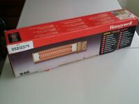 Honeywell QH803E Quartz Wall Heater - NEW And UNUSED For Bathroom/ Kitchen/ Workshop.