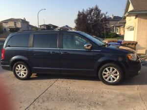 2008 Chrysler Town & Country $6200 OBO