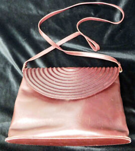 Pre-owned authentic Genny vintage shoulder bag, made in Italy