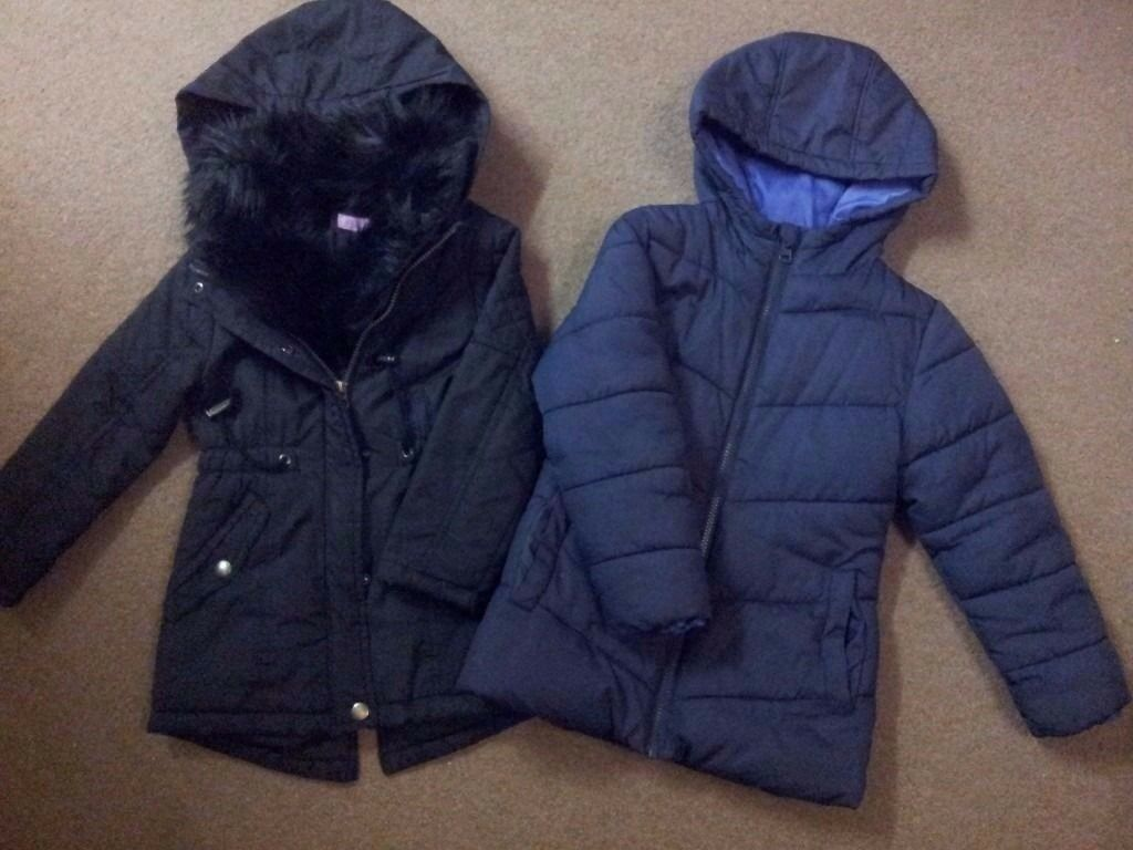 Two Winter JacketsVGC5 6 years girlin Cambridge, CambridgeshireGumtree - Two winter jackets for a girl black and navy blue Size 5 6 years Both in very good condition Collection from CB4 1YF