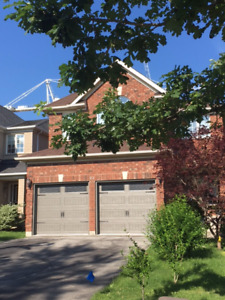 Home for Lease 10 minutes to Warden St. 6 Parking Spots Included