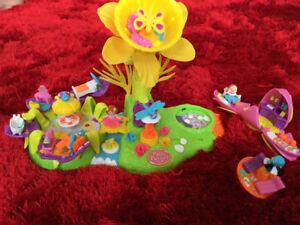 Polly Pocket Flower FairyLand Petal Village