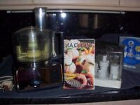 Magimix Compact 3100 Chrome Food processor in immaculate condition.