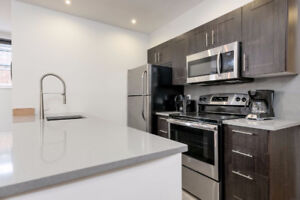 1ST MONTH FREE - Renovated 2 bedroom - LOCATION - STUDENTS