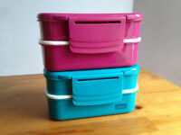 Polar Gear Set of Two 1.1 Litre Bento Lunch Boxes in Blue and Purple