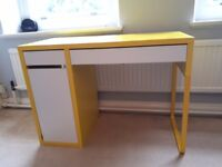 Ikea Desk- perfect condition