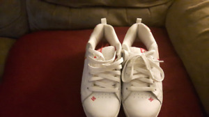 Womans/girls size 6.5 DC sneakers
