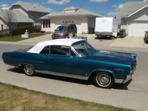 Classic 1964 Pontiac parisienne Custom Sport Convertible