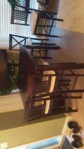 Counter/Bar Height Table and 4 Chairs