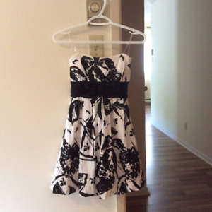 CUTE DRESS, PERFECT FOR SPECIAL OCCASIONS
