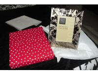"""NEW BEAUTIFUL SILVER/GLASS 6"""" X 4"""" PHOTO FRAME COMPLETE WITH GIFT BOX"""