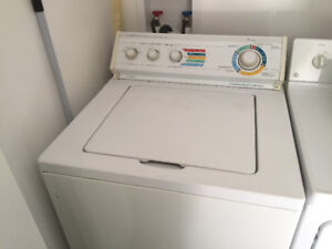 Laveuse Whirlpool & Secheuse GE / Whirlpool washer and GE dryer