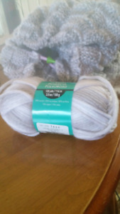 LOOKING FOR YARN PLEASE AND THANK YOU