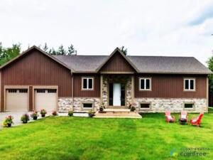$615,000 - Bungalow for sale in Lakefield