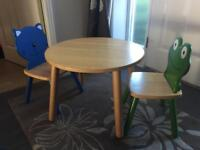 Pintoy Wooden Table with Cat Chair and Frog Chair