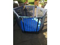 Lindam playpen / barrier