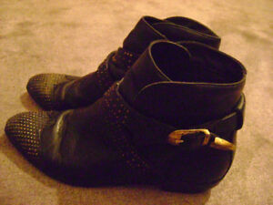 LADIES DESIGNER SHOES / BOOTS ... $20.00 - $60.00 Each