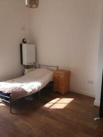 1 bedroom apartment on Everton road,L6