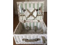 White wicker picnic basket for two