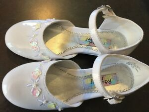 Perfectly Pretty Girls Size 13 Dressy Shoes, New Without Tags