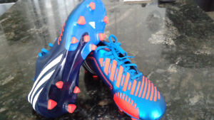 Never Worn Soccer Cleats - Size 6