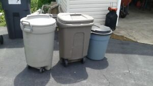 3 TRASH CANS MADE BY RUBBERMAID  GOOD CONDITION