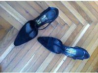 Classic Ferragamo shoes black, size 6.5 (39.5)