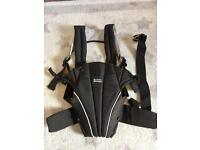 Britax baby carrier (like new)