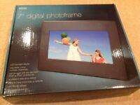 """7"""" Digital Photoframe"""