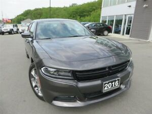2016 Dodge Charger SXT *AWD *Sunroof *Nav