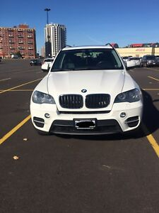 BMW X5 2011 WHITE COLOUR
