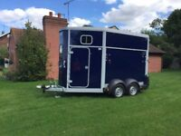 Iforwilliams Horse box Trailer HB11 2015 Blue Hitchlock & Factory Stabilizers