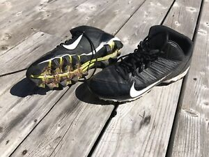 Men's Nike football or baseball cleats, size 10.5