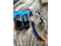 Snorkel And flippers size 4/5