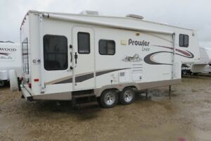 2004 PROWLER 287-5S -Travel Trailer